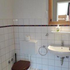 Отель Alm Hostel Германия, Гамбург - отзывы, цены и фото номеров - забронировать отель Alm Hostel онлайн ванная фото 2