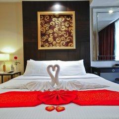 Отель Admiral Premier Sukhumvit 23 By Compass Hospitality Бангкок сейф в номере