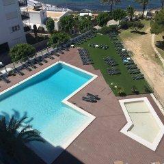 Hotel Abrat бассейн