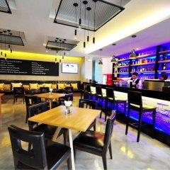 Отель PARINDA Бангкок гостиничный бар