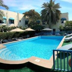 Отель Мини-Отель Al Corniche hotel Villa Alisa ОАЭ, Шарджа - отзывы, цены и фото номеров - забронировать отель Мини-Отель Al Corniche hotel Villa Alisa онлайн бассейн фото 2
