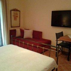 Отель With one Bedroom in Corfú, With Enclosed Garden and Wifi - 3 Греция, Корфу - отзывы, цены и фото номеров - забронировать отель With one Bedroom in Corfú, With Enclosed Garden and Wifi - 3 онлайн комната для гостей