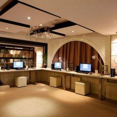 Отель Graceland Resort And Spa Пхукет интерьер отеля