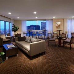 Отель Delta Hotels by Marriott Montreal интерьер отеля