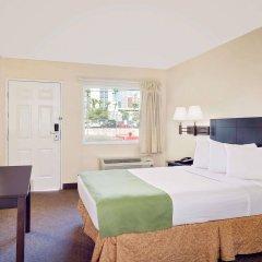 Отель Howard Johnson by Wyndham Las Vegas near the Strip США, Лас-Вегас - отзывы, цены и фото номеров - забронировать отель Howard Johnson by Wyndham Las Vegas near the Strip онлайн комната для гостей фото 3