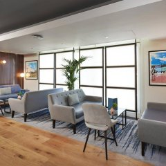 Отель DoubleTree By Hilton London Excel интерьер отеля