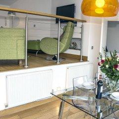 Отель Base Serviced Apartments - The Docks Великобритания, Ливерпуль - отзывы, цены и фото номеров - забронировать отель Base Serviced Apartments - The Docks онлайн интерьер отеля фото 2