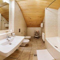 Гостиница Hutor Hotel Украина, Днепр - отзывы, цены и фото номеров - забронировать гостиницу Hutor Hotel онлайн ванная фото 2