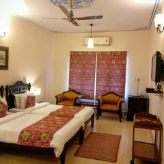 Suryaa Villa - A City Centre Hotel комната для гостей