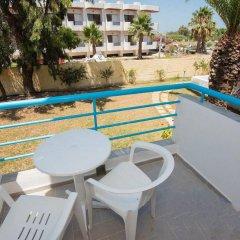 Отель Leonidas Hotel and Studios Греция, Кос - 1 отзыв об отеле, цены и фото номеров - забронировать отель Leonidas Hotel and Studios онлайн балкон