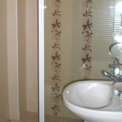 Defne Hotel Турция, Камликой - отзывы, цены и фото номеров - забронировать отель Defne Hotel онлайн ванная
