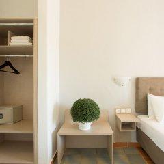 Отель Coral Blue Beach сейф в номере