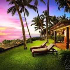 Отель Outrigger Fiji Beach Resort Фиджи, Сигатока - отзывы, цены и фото номеров - забронировать отель Outrigger Fiji Beach Resort онлайн пляж
