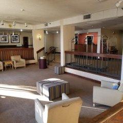 Отель Travel Inn - Columbus North США, Колумбус - отзывы, цены и фото номеров - забронировать отель Travel Inn - Columbus North онлайн интерьер отеля фото 2