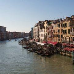 Отель Riva del Vin Boutique Hotel Италия, Венеция - отзывы, цены и фото номеров - забронировать отель Riva del Vin Boutique Hotel онлайн приотельная территория фото 2