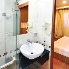 Отель ZEN Rooms Surawong ванная фото 2
