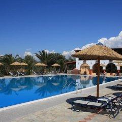 Отель Blue Dolphin Hotel Греция, Метаморфоси - отзывы, цены и фото номеров - забронировать отель Blue Dolphin Hotel онлайн бассейн фото 3