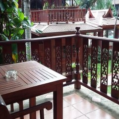 Отель Royal Phawadee Village Патонг балкон