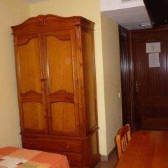 Отель Pensió La Creu удобства в номере фото 2