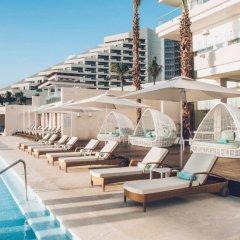 Отель Coral Level at Iberostar Selection Cancun бассейн