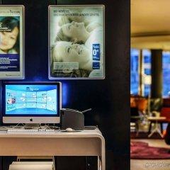 Отель Novotel Berlin Mitte Германия, Берлин - 3 отзыва об отеле, цены и фото номеров - забронировать отель Novotel Berlin Mitte онлайн интерьер отеля