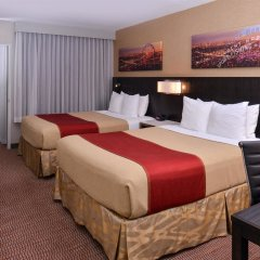 Отель Best Western Royal Palace Inn & Suites США, Лос-Анджелес - отзывы, цены и фото номеров - забронировать отель Best Western Royal Palace Inn & Suites онлайн комната для гостей фото 3