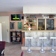 Отель Apartamentos Bauló Mar гостиничный бар