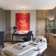 Отель Ramada Plaza Antwerp комната для гостей