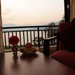 Отель Peace Plaza Непал, Покхара - отзывы, цены и фото номеров - забронировать отель Peace Plaza онлайн балкон