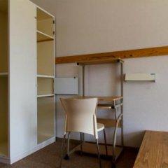 Yakushima Youth Hostel Якусима удобства в номере