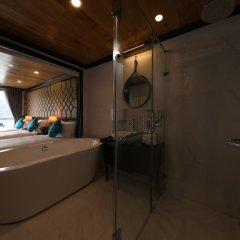 Отель Halong Serenity Cruise Вьетнам, Халонг - отзывы, цены и фото номеров - забронировать отель Halong Serenity Cruise онлайн ванная фото 2