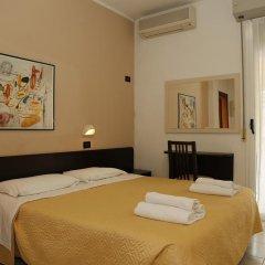 Hotel Villa Dina Римини комната для гостей фото 5