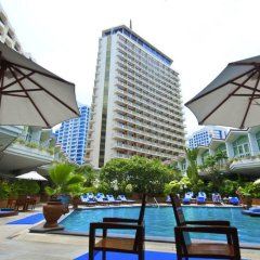 Dusit Thani Bangkok Hotel бассейн