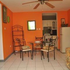 Апартаменты Palm View Apartment At Sandcastles комната для гостей фото 4