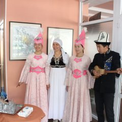 Отель Tagaitai Guest House Кыргызстан, Каракол - отзывы, цены и фото номеров - забронировать отель Tagaitai Guest House онлайн помещение для мероприятий