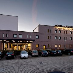 Neo Hotel (ex. Cdh Milano Niguarda) Брессо парковка