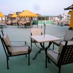 Suryaa Villa - A City Centre Hotel балкон