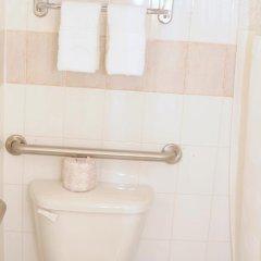 Отель JFK Inn США, Нью-Йорк - отзывы, цены и фото номеров - забронировать отель JFK Inn онлайн ванная