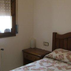 Отель Hostal L'esquella Сант-Марти-де-Сентеллес комната для гостей фото 3