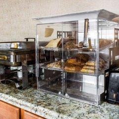 Clarion Hotel Conference Center Эссингтон питание