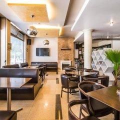 Отель Бизнес Отель Пловдив Болгария, Пловдив - отзывы, цены и фото номеров - забронировать отель Бизнес Отель Пловдив онлайн гостиничный бар