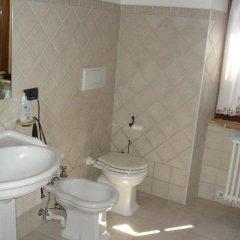 Отель Bed & Breakfast La Casa Delle Rondini Стаффоло ванная фото 2