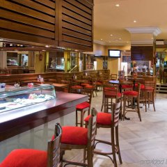 Senator Gran Vía 70 Spa Hotel гостиничный бар