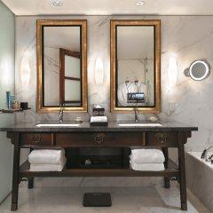 Отель Shangri-La Hotel Vancouver Канада, Ванкувер - отзывы, цены и фото номеров - забронировать отель Shangri-La Hotel Vancouver онлайн ванная