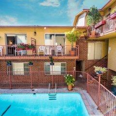 Отель Hollywood Downtowner Inn США, Лос-Анджелес - отзывы, цены и фото номеров - забронировать отель Hollywood Downtowner Inn онлайн бассейн фото 3