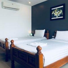 Отель VITS Patong Dynasty комната для гостей фото 12