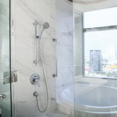 Отель Marriott Sukhumvit Бангкок ванная фото 2