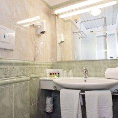 Отель Kolping Hotel Casa Domitilla Италия, Рим - отзывы, цены и фото номеров - забронировать отель Kolping Hotel Casa Domitilla онлайн ванная фото 2