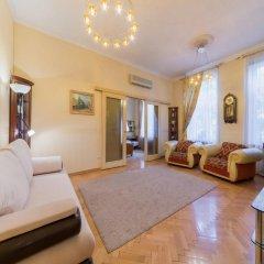 Апартаменты Кварт Апартаменты на Тверской Москва комната для гостей