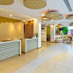The ASHLEE Plaza Patong Hotel & Spa интерьер отеля